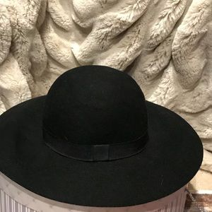 Express black floppy hat